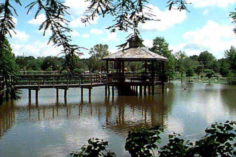 A popular walk through the Park\'s lagoon.
